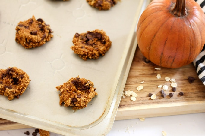 Baking Cookies with Oatmeal Flour