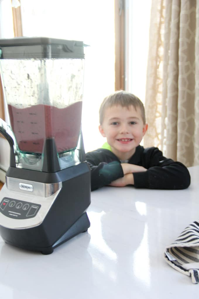 How to Make a Kids Green Smoothie